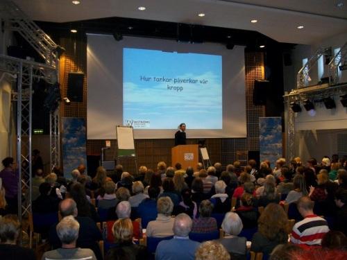 Bengt-Göran Wikström föreläser på Tankens dag i Gävle. Bilden är från 2011.